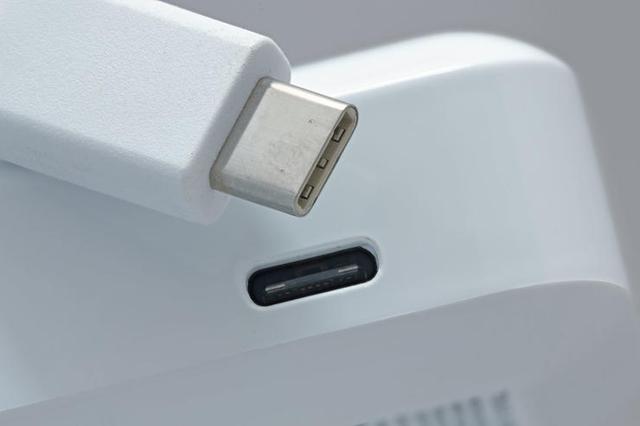 USB4 正式发布:传输速度达 40Gbps,仅支持 Type-C